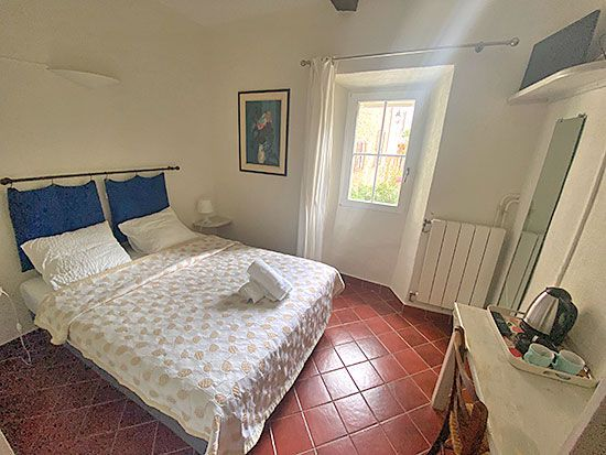 hotel-aiguines-verdon-Chambre-double-economique-1
